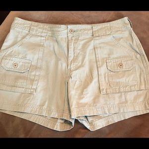 Cabela's 7 pocket hiker short